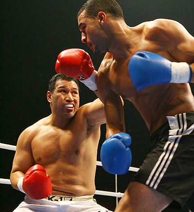 Ray Sefo (Red Gloves) in Action.