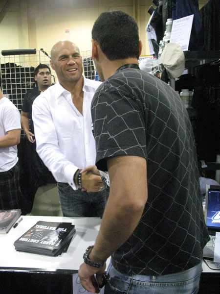 RandyCouture_AtXCMMABooth